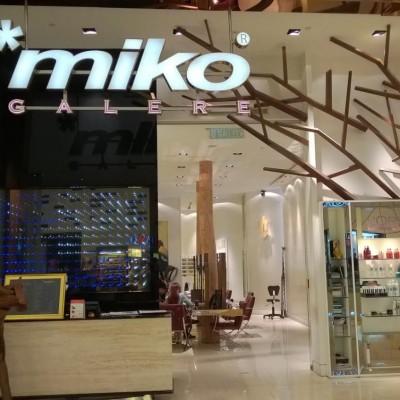 Miko Galere, Pavilion