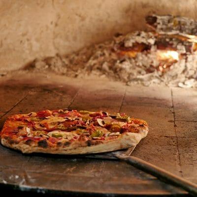 Pizza Mansion, PJ